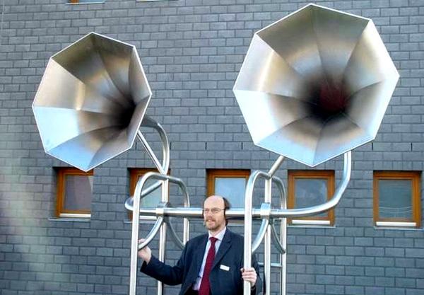 l'importanza dell'ascolto (immagine tratta da http://iprexvoices.com/)